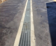 Galvanised Heavy Trafficable Trench Grate.JPG